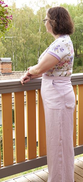 Rosa linnebyxor blommig tröja 2